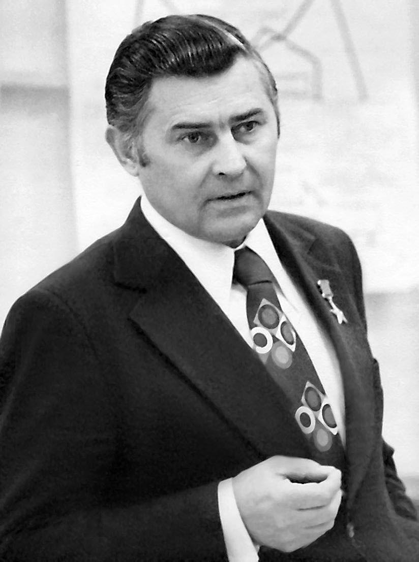 Стратегия лидеров 1957-2007 - ВЫХОД НА ОТРАСЛЬ (Академик Гурий ...